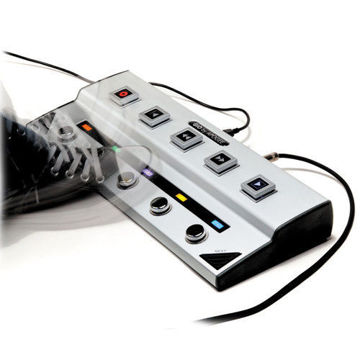 buy Apogee Electronics GiO - USB Guitar Interface and Controller in India imastudent.com